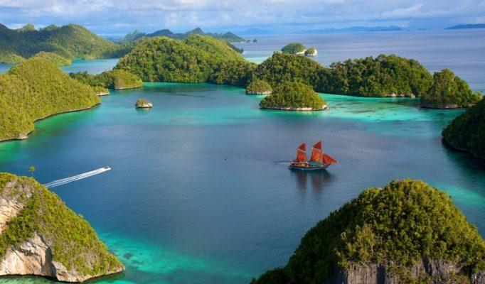 Pulau Menakjubkan Indonesia