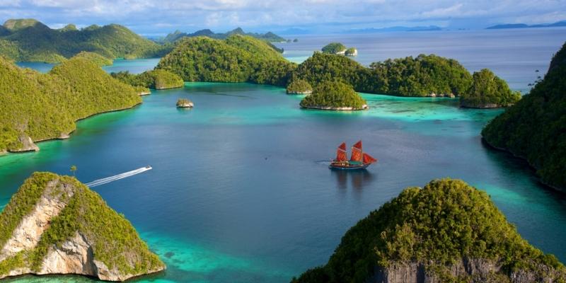 6 Rekomendasi Pulau Menakjubkan di Indonesia